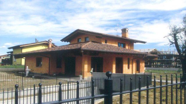 Villa tetto in legno